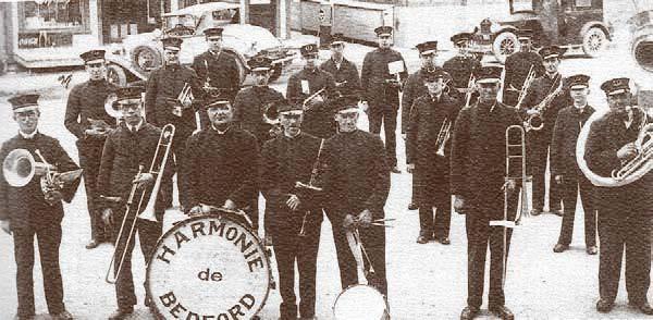 Fanfare de Bedford (1925-1927) où figurent : Napoléon, Placide et Sylvia Hébert
