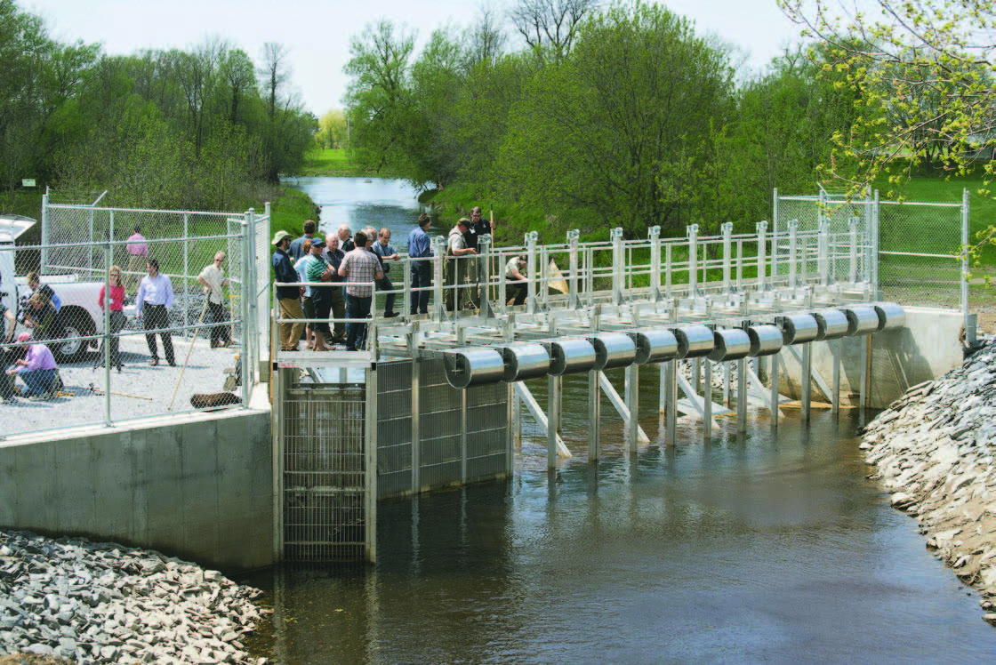 The newly-inaugurated lamprey eel barrier in Notre-Dame-de-Stanbridge, on Morpion Creek, a short distance from the creek's junction with the Pike River. (photo : Robert J. Galbraith)