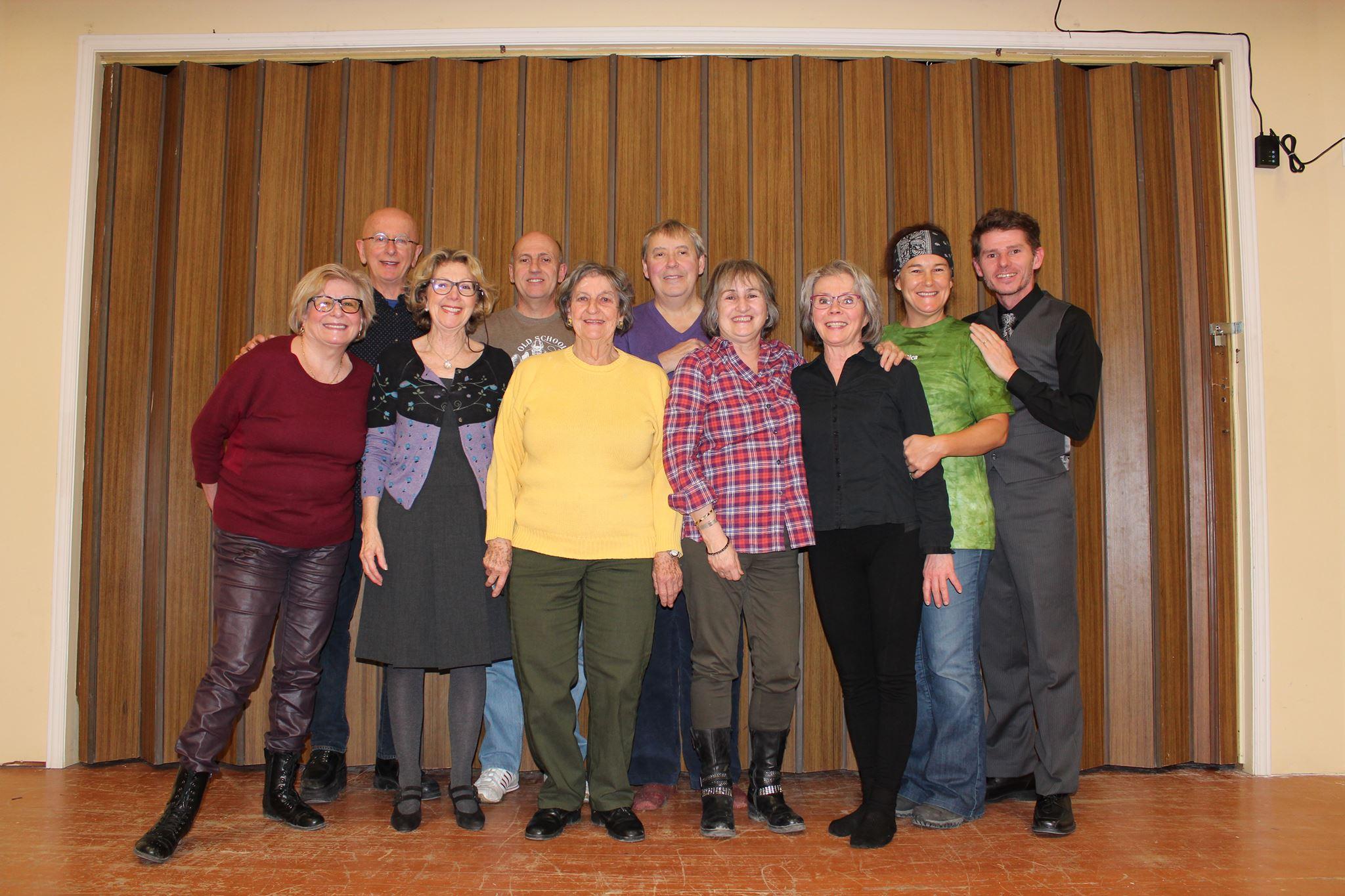 528d10ea93ab0 La troupe de théâtre Au Jour le Jour présente « Une pièce en pièces ...