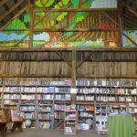 Au Clos de l'Orme Blanc : la magie d'une grange aux livres